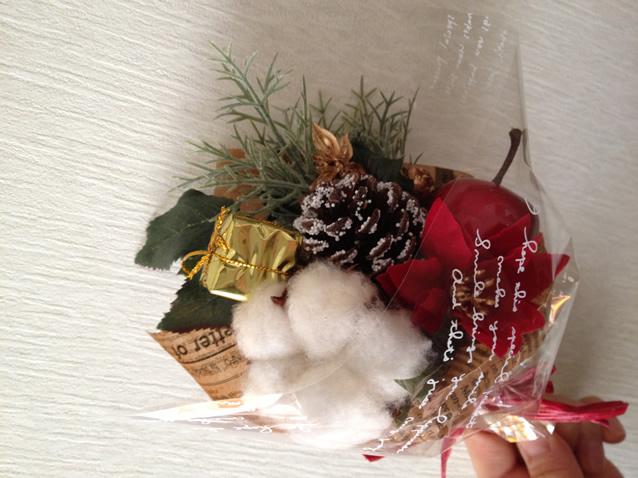 プレゼントにおすすめ♪ポインセチアのクリスマスブーケ