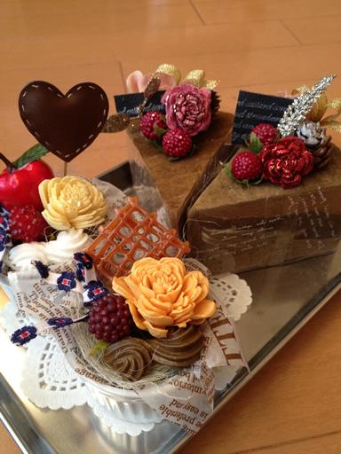 バレンタインのプレゼントに。ケーキ風アレンジ