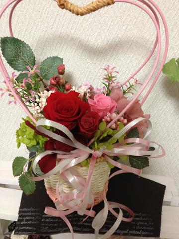 母の日のプレゼント♪真っ赤なバラの王道アレンジ