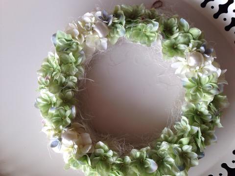 爽やかな春色グリーンのアートフラワーリース(24cm)