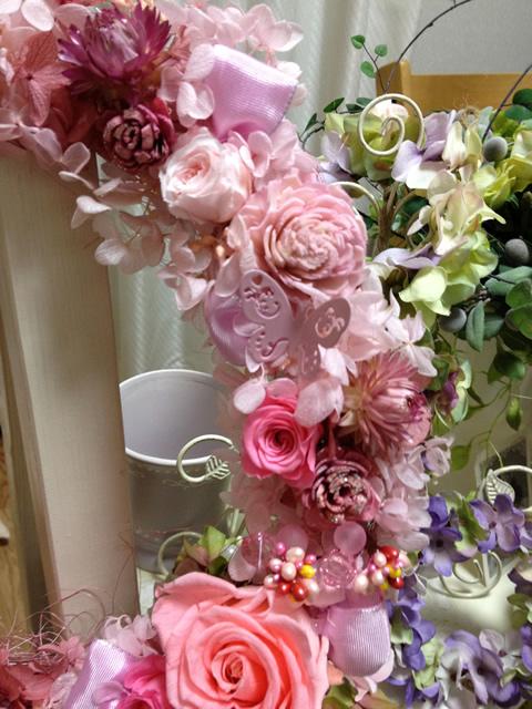 ピンクの豪華な特大フラワーリース2