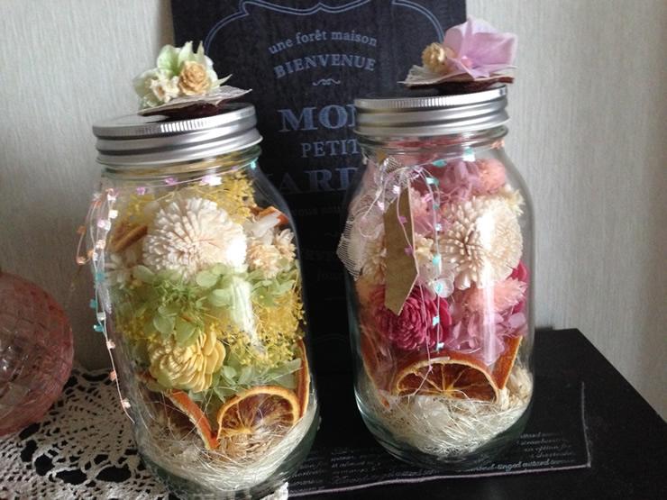 [簡単アレンジ]ジャーサラダの容器(瓶)を使った可愛いジャーフラワー
