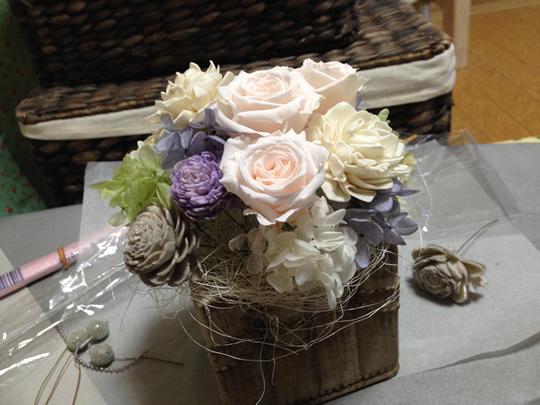 4.他のお花もバランスをみながら挿す