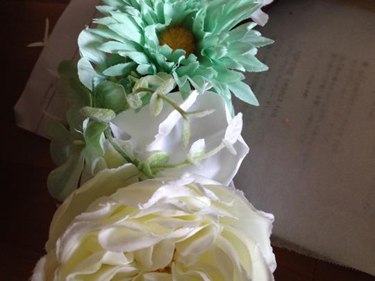 5.最初に切った花を隙間をうめるのにつかいます3