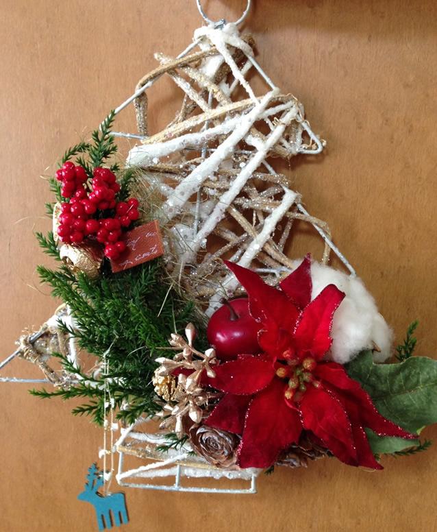 クリスマスツリー風★ポインセチアでアートフラワーアレンジ♪