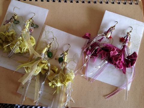 スワッグ風ブーケピアス3種
