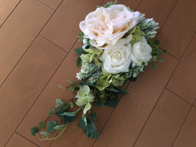 グリーン+白い花のフラワーアレンジメント1